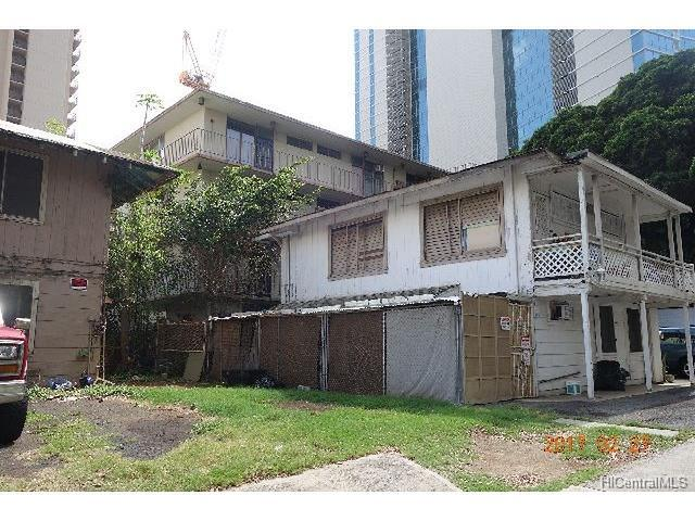 Photo of 403 Kalaimoku St, Honolulu, HI 96815